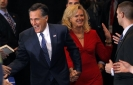 Romney wins primary races in Michigan, Arizona