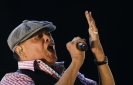 Grammy-winning jazz singer Al Jarreau dies at 76