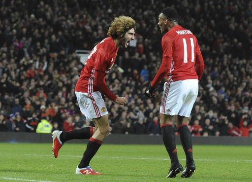 Mata, Fellaini put Man United on course for League Cup final