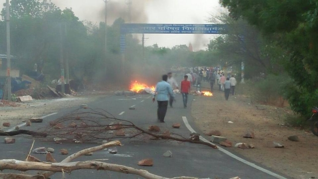 Shots fired at protest kill 5 farmers in central India